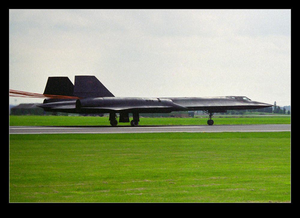wpid12481-Blackbird-Landing-Roll.jpg